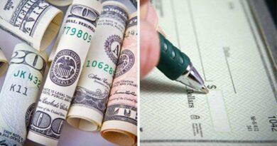 紙幣と小切手