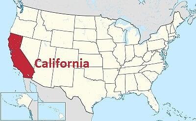 カリフォルニアが赤く示されているアメリカの地図